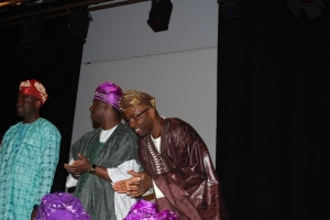article fashion parade_adeola applauding