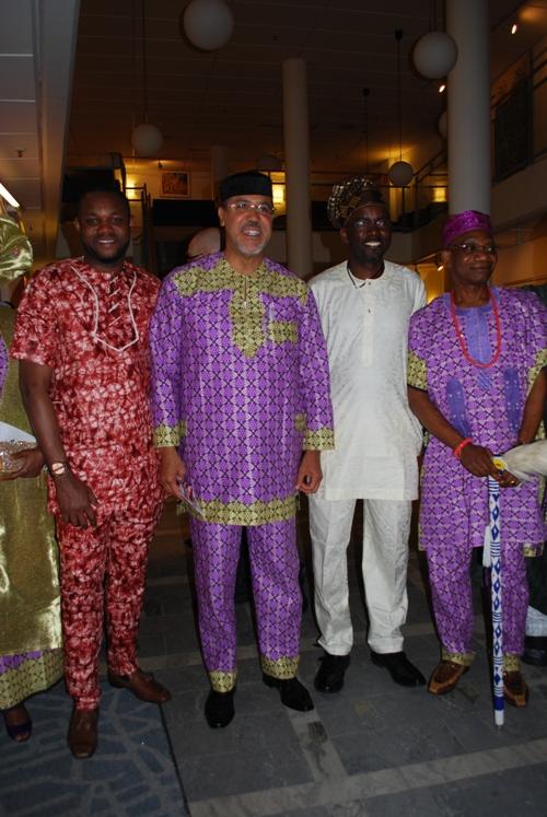 yoruba sculpture photoessay African sculpture in wood, bronze, ivory: history, manufacture of benin and yoruba tribal sculptures: plastic art of africa.