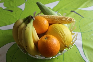 Fruits with labels? How Healthy are tey?